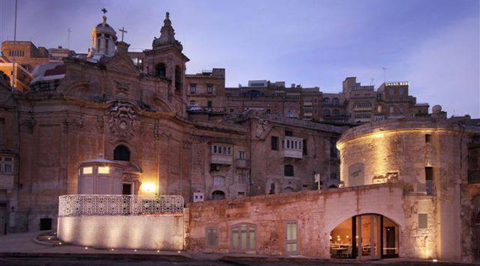 Valletta restaurants - The Harbour Club Valletta