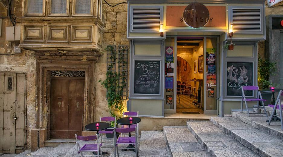 Bars in Valletta - Cafe Society