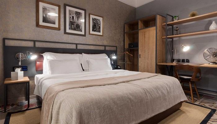 AX The Saint John Comfort Room